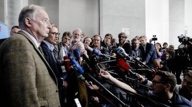Alexander Gaulands højrepopulistiske parti Alternative für Deutschland fik 13 procent af stemmerne ved det tyske valg. Den umiddelbare årsag til styrkelsen af AfD er håndteringen af flygtningekrisen i 2015, hvor mange af især CDU's vælgere fandt Merkels politik for åben og liberal. Men årsagerne til AfD's fremgang er langt mere mangfoldige, blandt andet en EU-kritisk kurs kombineret med en antielitær og populistisk retorik.