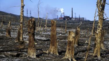 Rusland er et af de lande, hvor CO2-udledningerne er faldet. Og globalt set stagnerer udledningen, hvilket er ugens positive nyhed. Dog trækker blandt andet smeltende permafrost i den modsatte retning.