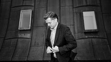 Rigtig mange af de ting, vi diskuterer herinde på Christianborg – burkadiskussionen for eksempel – betyder jo ikke en kæft for nogen som helst i virkelighedens verden, siger Jan E. Jørgensen.