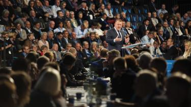 Allerede dagen efter, at Venstres folketingsgruppen efter lange overvejelser besluttede sig for at tilslutte sig et maskeringsforbud, tordnede Lars Løkke mod parallelsamfund. Venstre vil ikke risikere at fremstå bløde på udlændingepolitikken.