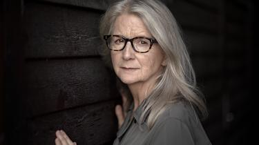 'Vi befinder os angiveligt i en postsandhedsæra, så det synes passende at lave et drama om mennesker, der slås med at fortælle sandheden,' siger Sally Potter.