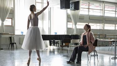 Danica Curcic er en ægte kunstner, en eksplosiv beholder af alle verdens følelser og en af vores mest udtryksfulde skuespillere overhovedet. Men castingen af hende som balletdanser føles ikke overbevisende.