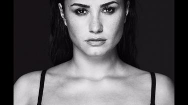 Demi Lovato udgiver ny plade: 'Tell Me You Love Me'.