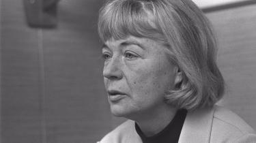 Tove Irma Margit Ditlevsen er født d. 14/12 1917 i København. Det meste af sit liv fastholdt hun imidlertid, at hendes fødselsår var 1918