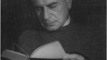 Det besynderlige ved dem, der så intenst som filosoffen Karl Popper ønsker at forsvare det åbne samfund, er lige præcis, at de er mere end villige til at opgive de idealer, det åbne samfund stiller for dialog og rationelt argument, hvis bare de kan få lov til at bekæmpe dets fjender