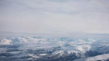 Lofoten er en norsk øgruppe i Atlanterhavet. Her er livet præget af det evigt omskiftelige vejr.