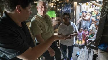 Al Gore, der her er på besøg i Filippinerne, interesserer sig i høj grad for mennesker i sin nye klimafilm, 'En ubekvem sandhed 2'.