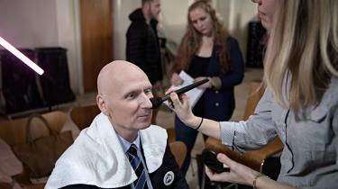 'Jeg er lidt nervøs, det kan jeg ikke frasige mig,' siger Poul V. Jensen inden sin første optræden i en valgdebat på direkte tv.