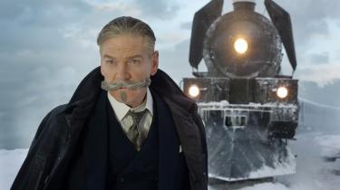 Kenneth Branagh har i sin filmatisering af 'Mordet i Orientekspressen' udstyret Hercule Poirot med et overskæg, der er en veritabel skulptur. Og fuldstændig latterligt.