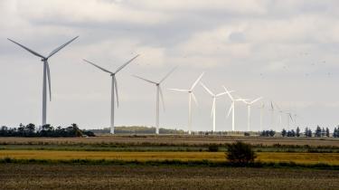 Kraftværker på pause, mere grøn energi, men også flere biler – og nye orkaner i vente