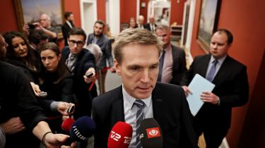 De årlige finanslovsforhandlinger er blevet dramaer, hvor de gamle magtpartier i stigende grad udfordres af fløjpartiernes ekstreme krav, siger professor Ove Kaj Pedersen om den nye normalitet i dansk politik