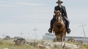 Jeff Daniels som skurken i 'Godless'. Hans opgør med et tidligere bandemedlem udgør det centrale handlingsspor i westernserien, men der er masser at hente i bispporene og de andre karakterer.