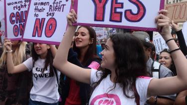 I november demonstrerede kvinder i Los Angeles mod seksuelle krænkelser som reaktion på de mange #MeToo-vidnesbyrd