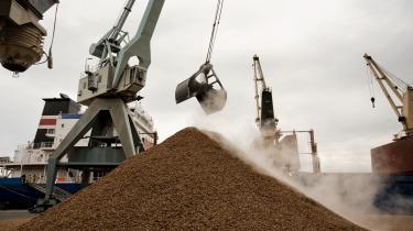 Danmark importerer i stigende grad træpiller som biomassebrændsel, i 2016 2,4 mio. ton. Det er afgiftsfritaget, men ikke nødvendigvis bæredygtigt.