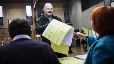Morten Kabell får ifølge sit eget regnskab 26.000 kr. ud af sit eftervederlag som borgmester, når alle udgifter er afholdt – herunder partiskatten på 131.000 kr. til Enhedslisten København. Her afgiver han sin stemme ved kommunalvalget i 2013.