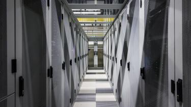 Alle biler, maskiner, robotter og kunstige intelligenssystemer bliver digitaliseret, hvilket frembringer enorme mængder nye data, der alle skal lagres i datacentre som her i Equinix Datacenter i Amsterdam, Holland.