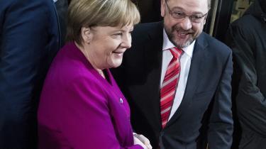 Trods tavshedspligt er det sluppet ud fra de tyske regeringsforhandlinger, at Merkels CDU/CSU og Schulz' SPD agter at aflyse de tyske klimamål. Beslutningen kritiseres heftigt af De Grønne og Die Linke for at være et uansvarligt vælgerbedrag
