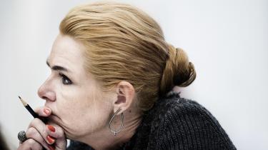 Trods dom ved menneskerettighedsdomstolen har Inger Støjbergs ministerium fortsat med at behandle ansøgninger efter den gamle praksis. Ministeriet har således givet afslag i 121 sager fra december 2016 og frem til begyndelsen af november 2017.