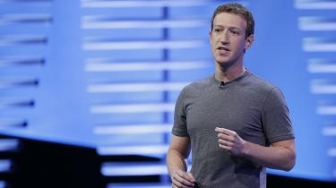 Hvert år deler Facebooks stifter Mark Zuckerberg sit nytårsforsæt. Og næsten hvert år har det handlet om hans personlige udvikling: Vær taknemlig, vær åben, lær et sprog. Men årets nytårsforsæt er overraskende omfangsrigt og rummer en bemærkelsesværdig oplysning: Facebook er gået i stykker