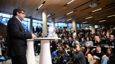 Lederen af den catalonske selvstændighedsbevægelse, Carles Puigdemont, forlod for første gang sit eksil i Bruxelles, da han mandag ankom til København. Til en debat på Københavns Universitet sammenlignede han Madrids handlinger med diktatoren Francos og opfordrede samtidig til dialog