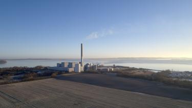 Kraftvarmeværket Studstrupværket nord for Aarhus leverer ud over elektricitet også fjernvarme til det meste af Aarhus. Til produktion af strøm og fjernvarme fyres der med olie, kul og biomasse. Og netop brugen af biomasse er eksploderet i den senere tid.