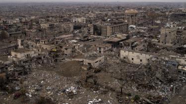 Storbyen Mosul er det sted, der er blevet bombet suverænt mest underden snart tre et halvt år lange luftkrig mod Islamisk Stat. Antallet af civile tab eksploderede, da koalitionen med sine luftangreb hjalp irakiske styrker med at generobre byen. Ét enkelt angreb ial-Jadidah-kvarteret dræbte i marts 2017 mindst 105 mennesker, har amerikansk militær erkendt.