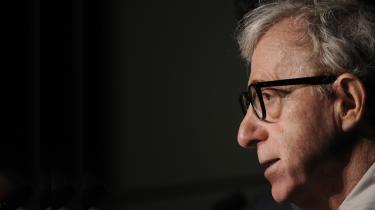 #MeToo-bevægelsen har påny sat fokus på anklager mod Woody Allen for at have forgrebet sig  seksuelt på sin dengang syvårige adoptivdatter. Det kan være svært at skelne fakta fra følelse i den komplekse sag, men vi præsenterer her sagen så redeligt som muligt