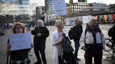 Syge arbejdsløse protesterer mod, at det er så svært at få fleksjob og førtidspension. For mange arbejdsløse, er situationen som arbejdsløs forbundet med en negativ selvopfattelse, skriver dagens kronikører.