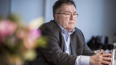 Enhedslisten vil have forsvarsminister Claus Hjort Frederiksen til at forklare Forsvarets krav til USA om at mørklægge de danske angreb mod Islamisk Stat i Irak og senere ogsåSyrien.