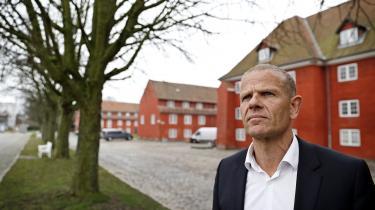 Forsvarets Efterretningstjeneste med chef Lars Findsen i spidsen sørger forud for tilsyn systematisk for at sende påmindelse til deres medarbejdere om, at de skal rense deres computere for data om danskere, som loven foreskriver.