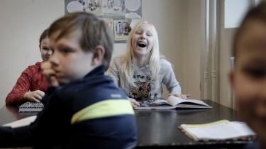 Som led i Informations undersøgelse af humor har vi været på besøg i 3. c på Gentofte Skole for at finde ud, hvordan de får hinanden til at grine, og det viste sig, at de gode gamle vitser fortsat kan få grinet frem hos nutidens børn.