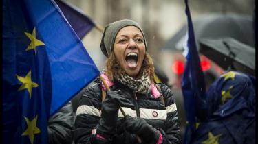 Her ses demonstranter, der – ligesom et flertal af den britiske befolkning – støtter en ny Brexit-afstemning.