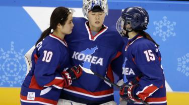 Spillerne Choi Ji-yeon, Shin So-jung ogPark Chae-lin efter at have tabt til Japan.