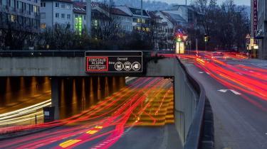 Et forbud mod dieselbiler er yderst omstridt. Den tyske bilindustri vil blive sat under pres og værdien af de ca. 15 mio. tyske dieselbiler, som allerede kører på vejene, vil rasle ned i værdi