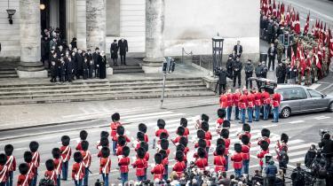 Hans Kongelige Højhed prins Henrik døde tirsdag den 13. februar. Tusindvis af danskere har været samlet og ventet side om side for at sige farvel ved de forskellige officielle begivenheder i dagene fra dødsfaldet til bisættelsen den 20. februar