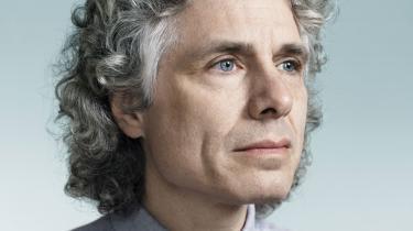 Venstre- og højrefløjen er sammen med postmodernisterne skyld i at vi svigter oplysningens idealer. Det giver gode vækstbetingelser for ekstremisme og populisme, mener den kontroversielle Harvard-professor Steven Pinker, der er aktuel med bogen 'Enlightenment now!'