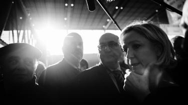 Bogen afdækker, hvordan Le Pens tænkning fortsat forbliver rodfæstet i fransk højreradikal tænkning.