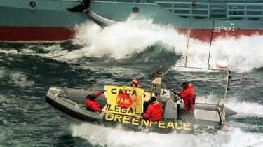 Op gennem 1990'erne mistede Greenpeace den spirituelle forbindelse med naturen, der var en del af de første aktivisters DNA. De har dermed gjort sig sårbare over for de sygdomme, der kendetegner og florerer i virksomheder og organisationer, der er styret af magt, penge og karrieremæssige hensyn, mener dagens kronikør.