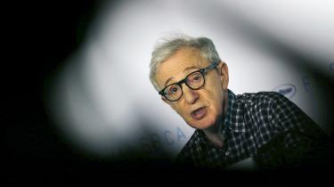 #MeToo-bevægelsen har påny sat fokus på anklager mod Woody Allen for at have forgrebet sig seksuelt på sin dengang syvårige adoptivdatter.