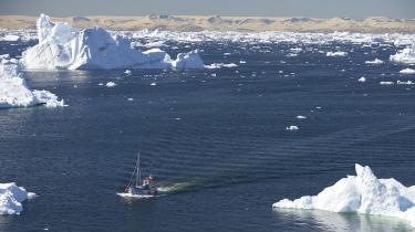 Selvstændighed vil betyde en drastisk økonomisk omvæltning for Grønland, der vil indebære et markant fald i levestandard for den enkelte. Men i sidste ende er det et spørgsmål om prisen for at blive herre i eget hus, og den har et flertal af grønlænderne tilsyneladende allerede besluttet, at de en dag er villige til at betale