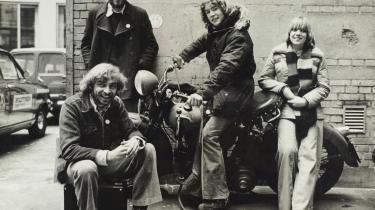 Karl Wagner (på motorcyklen) blev ifølge Politiken udsat for overgreb af instruktøren Lasse Nielsen under indspilningerne til de to film 'Du er ikke alene' og 'Måske ku'vi'. Ifølge Ib Tardini, der havde ansvaret for børnene på filmene, var der fornemmelser men ikke konkret viden om overgrebene.