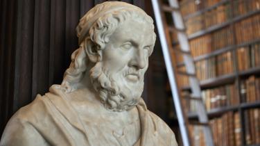 Det, der gennemsyrer afhandlingen, er grundtanken om, at Platon skal have æren som pædagogikkens founding father.