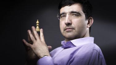 Vladimir Kramnik er med sine 42 år ældste mand i feltet ved skak-kandidatturneringen i Berlin, der finder sted i disse dage