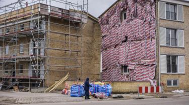 Da boligselskabet FSB ændrede holdning og tilbød genhusning af de beboere, der var berørt en omfattende sanering af bygningerne, var der kun 17 af oprindelige 90 lejemål tilbage, der fortsat var berørt af indvendigearbejder, og hvor genhusning kunne være relevant