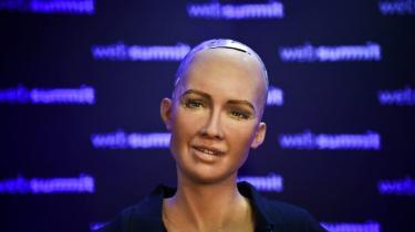 Når vi ikke længere kan skelne robotter fra personer med tanker og følelser, opstår der et hav af både juridiske og menneskelige problemer