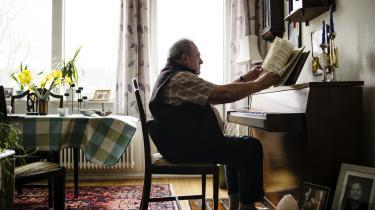 Tamás Vetö (født 20. maj 1935 i Budapest) er en ungarsk dirigent, der har boet og virket i Danmark siden 1957. Her spiller han 'kilenc zongora darab' opus 3 af den ungarnske komponist Zoltán Kodály.