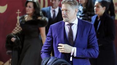 Uanset hvor mange rublereller dollar, han får i løn, er brandet Peter Schmeichel ubetalelig PR for Putin.
