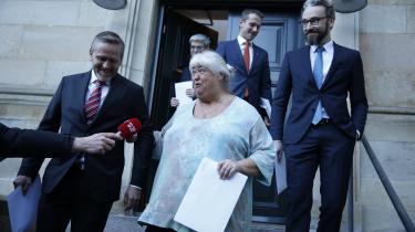 Ved lørdagens årsmøde vil Liberal Alliances top forventeligt gøre meget ud af, hvor betydningsfuld regeringsdeltagelsen er. Men når man kommer længere væk fra ministrene, vil opmærksomheden være større på farerne ved at være lille parti i en regering.