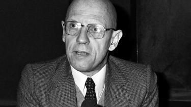 Søren K. Villemoes skyder på Michel Foucault for at ramme venstrefløjen. Men hvem rammer han, når ingen 30 år efter vil forsvare vildvejene og fejlskuddene?