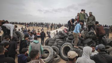 Grænseprotesterne er udtryk for en desperat situation for de unge i Gaza. Arbejdsløsheden er mere end 65 procent for unge, og FN melder om en stærkt stigende tendens til selvmordstruende adfærd.